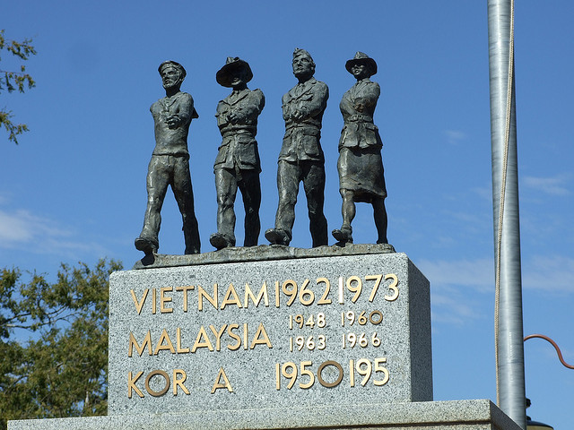 Forbes War Memorial. Image by Tamsin Slater on Flickr.