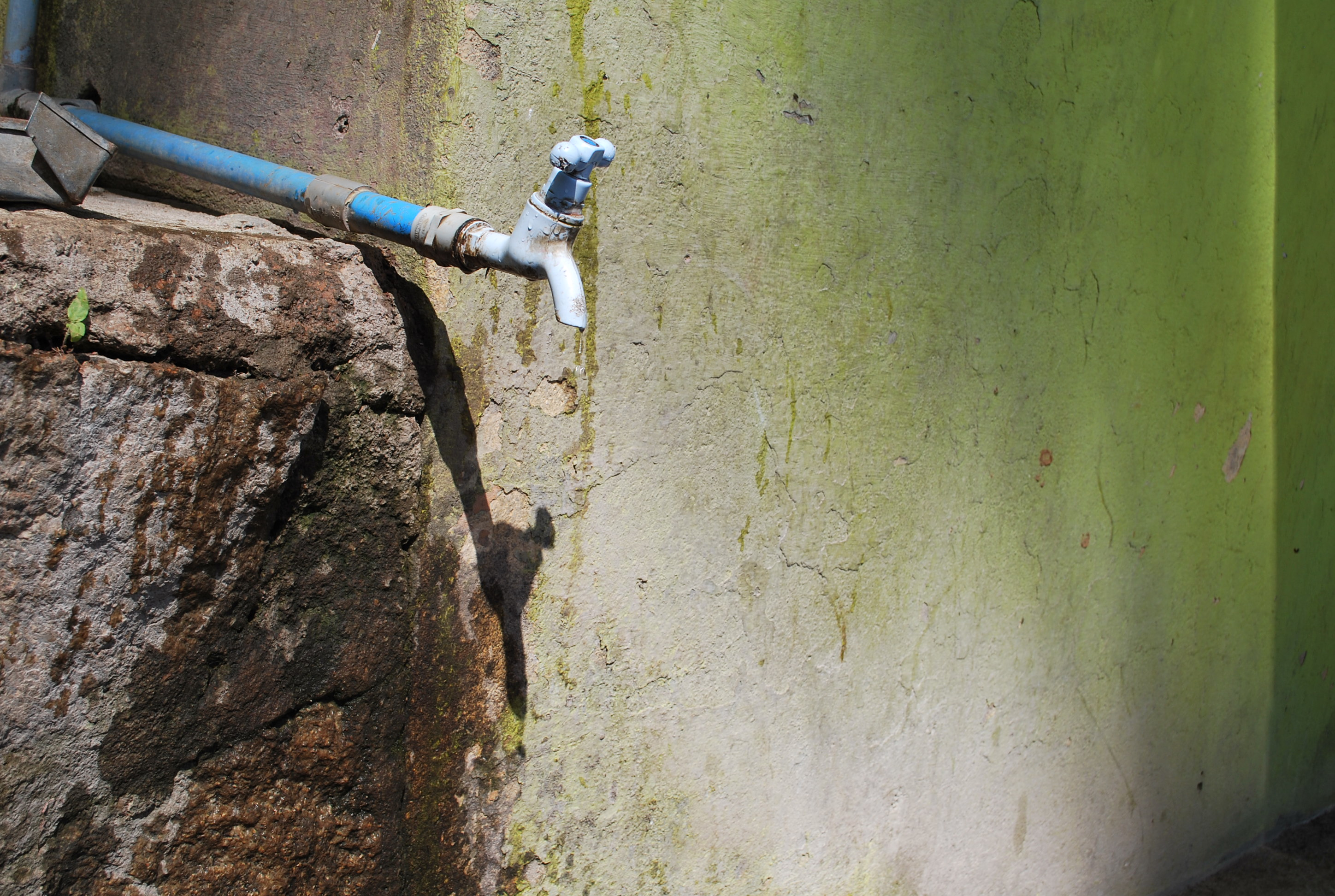 Is the groundwater crisis in India an environmental crisis, or a crisis of water policy