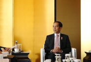 Indonesian President Joko Widodo attends Business Meeting  May 16, 2016  Lotte Hotel, Jung-gu, Seoul  Ministry of Culture, Sports and Tourism Korean Culture and Information Service Korea.net (www.korea.net) Official Photographer : Jeon Han  This official Republic of Korea photograph is being made available only for publication by news organizations and/or for personal printing by the subject(s) of the photograph. The photograph may not be manipulated in any way. Also, it may not be used in any type of commercial, advertisement, product or promotion that in any way suggests approval or endorsement from the government of the Republic of Korea.  -------------------------------------------------  조코 위도도 인도네시아 대통령 국빈방한  경제인과의 면담  2016-05-16  롯데호텔  문화체육관광부 해외문화홍보원 코리아넷  전한