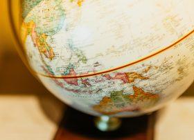 australia-globe-1800