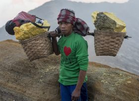 Sulfur Miner, Indonesia